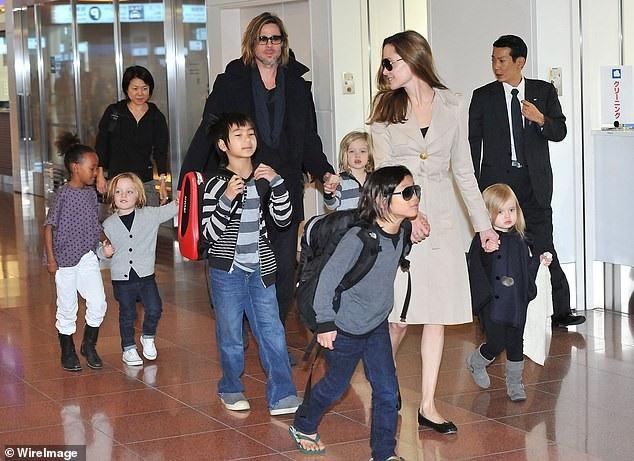 Angelina Jolie và Brad Pitt có với nhau 6 đứa con, 3 con nuôi và 3 con ruột.