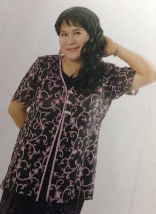 Nghệ sĩ hài Minh Vượng đăng ảnh thời còn trẻ cùng dòng chia sẻ hài hước: Điệu vãi chưởng. Một thời làm người mẫu thời trang nhé.
