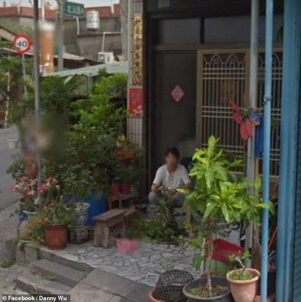 Danny Wu đã rất xúc động khi nhìn thấy hình ảnh người mẹ quá cố xuất hiện trên Google Street View, dù gương mặt của bà đã được làm mờ đi