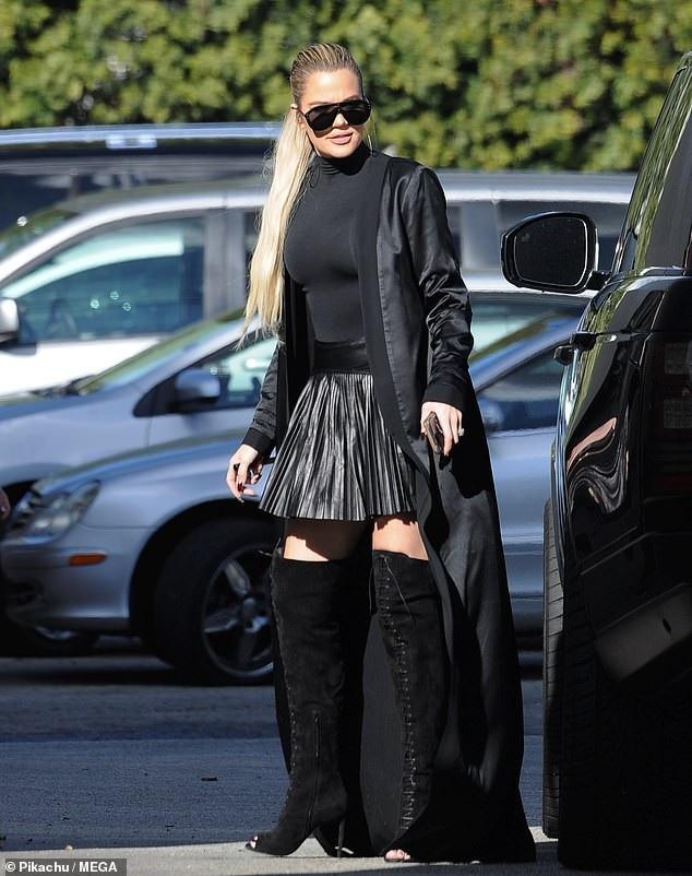 Em cô Kim - Khloe Kardashian