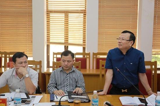 Đại diện Công ty Cổ phần Tập đoàn Hạ Long tại cuộc họp với huyện ngày 24/8. (ảnh CTTĐT Hoành Bồ)