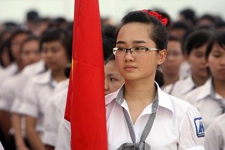 """Theo Hồ Chí Minh, sản phẩm """"đầu ra"""" của giáo dục trước hết phải là những """"người tốt"""" vì không phải ai cũng có thể trở thành thiên tài nhưng nếu cố gắng thì ai cũng có thể trở thành người có ích cho xã hội."""