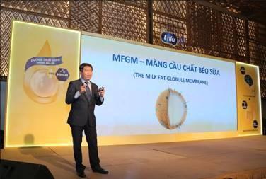 Phó Giáo sư, Tiến sĩ, Bác sĩ Nguyễn Anh Tuấn trình bày về vai trò của màng cầu chất béo sữa (MFGM) và hỗn hợp chất xơ PDX/GOS trên sức khỏe tiêu hóa – miễn dịch của trẻ nhỏ