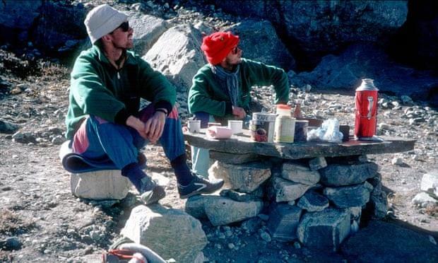 Hình ảnh cuối cùng của hai nhà leo núi chụp tại Himalaya vào năm 1988