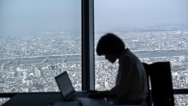Một công chức Nhật Bản bị sa thải chỉ vì khai bằng cấp thấp hơn so với thực tế