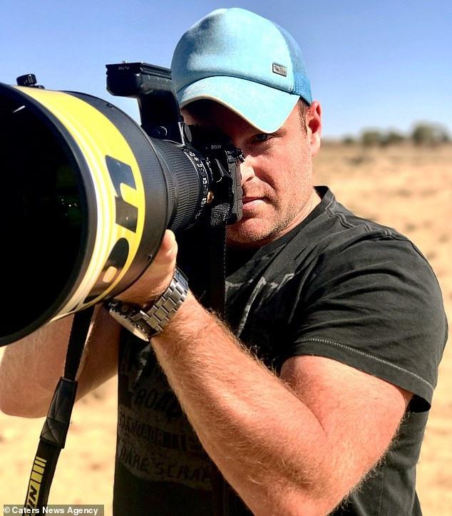Nhiếp ảnh gia Simon Smith đam mê chụp hình thế giới tự nhiên hoang dã