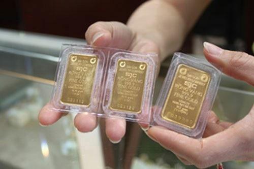 Chiều nay 12/12, giá vàng SJC đã sụt giảm sâu xuống dưới 36,3 triệu đồng/lượng (chiều mua vào) và chỉ còn cao hơn giá vàng thế giới 1,1 triệu đồng/lượng.