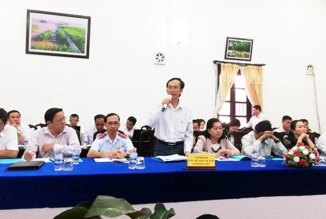 Ông Võ Thanh Giang- Phó Giám đốc Sở GD&ĐT tỉnh Bạc Liêu trả lời câu hỏi của báo Dân trí tại họp báo.