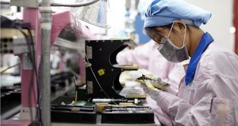 Vé chợ đen tràn ngập trên Facebook, iPhone sắp được gắn nhãn 'Made in Vietnam' - 3