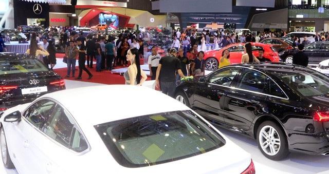 Sức mua cầm chừng, thị trường ô tô chờ bùng nổ cuối năm - 1