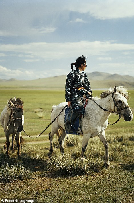 Những bức ảnh mê hoặc về Mông Cổ - 12