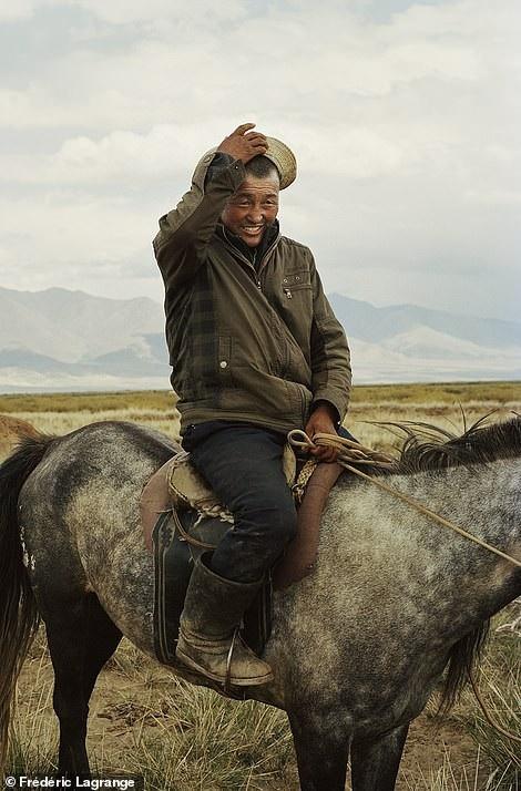 Những bức ảnh mê hoặc về Mông Cổ - 13