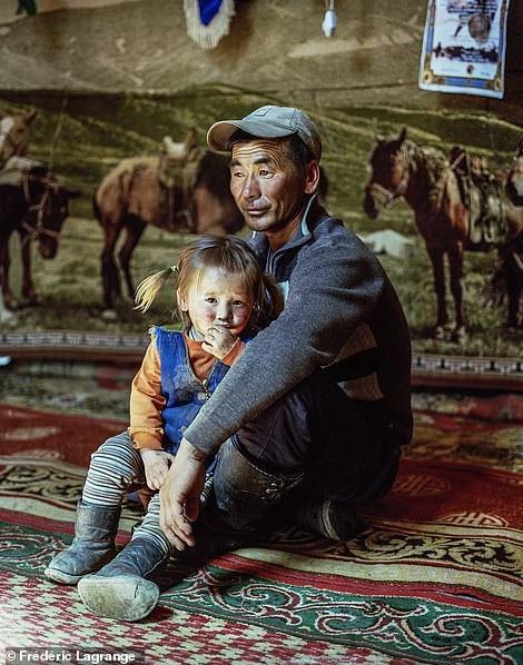 Những bức ảnh mê hoặc về Mông Cổ - 8