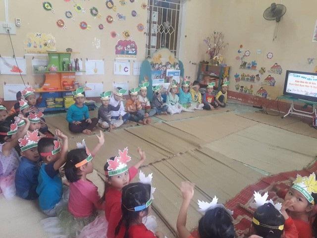 Học sinh Trường mầm non Sơn Lương không còn cảnh học trong nhà bếp, ngủ cạnh chuồng trâu nhờ tấm lòng của bạn đọc giúp đỡ qua báo Dân trí