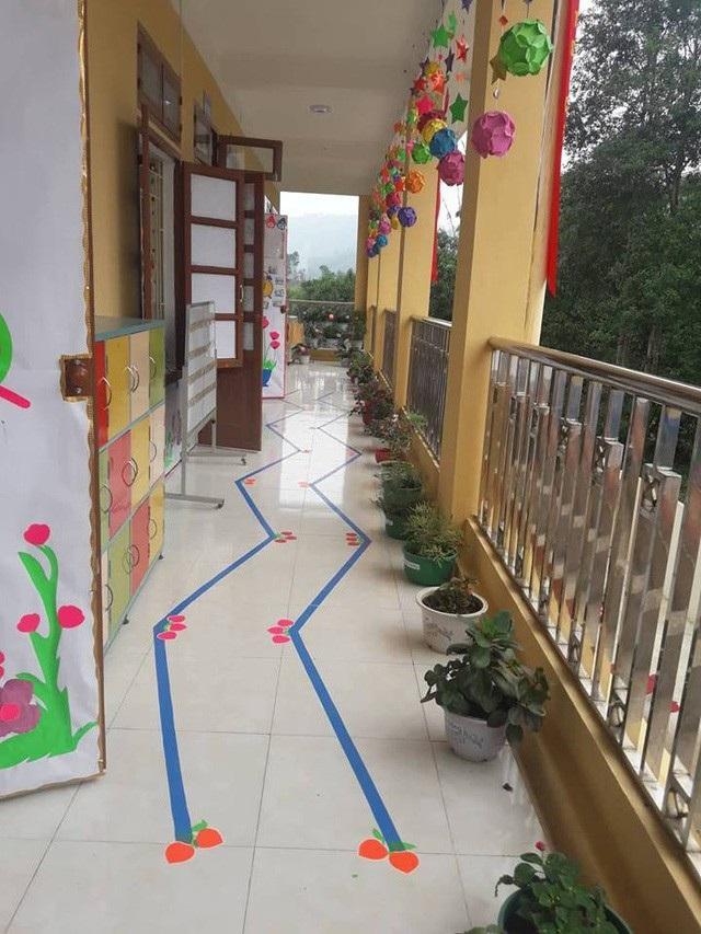 Phòng học hết sức khang trang sạch đẹp đem lại niềm vui cho cô và trò nơi đây