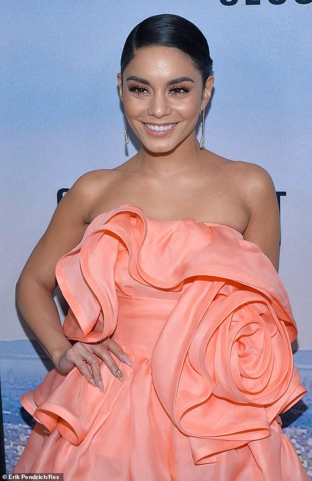 Nữ diễn viên xinh đẹp và bạn trai mới tậu biệt thự trị giá gần 5 triệu USD tại khu Los Feliz ở Los Angeles