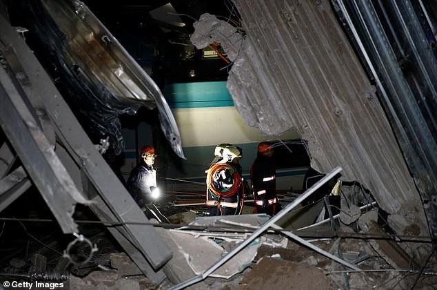 Hồi tháng 7, Thổ Nhĩ Kỳ cũng từng trải qua một vụ tai nạn xe lửa không kém phần thảm khốc khi 10 người đã thiệt mạng và 70 người bị thương sau khi một đoàn tàu trật khỏi đường ray ở phía tây bắc quốc gia này do mưa lớn lâu ngày khiến đường ray bị trục trặc. (Ảnh: Getty)