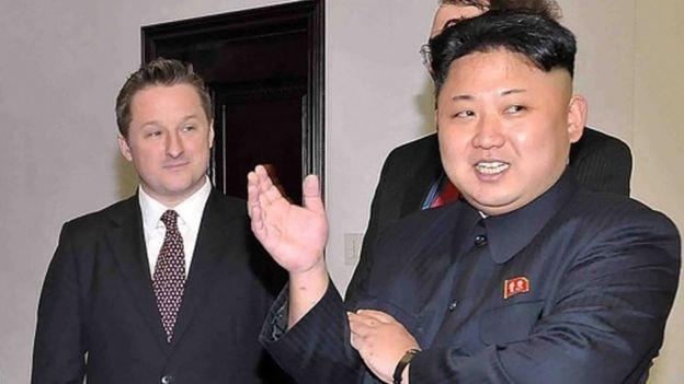 Ông Michael Spavor gặp nhà lãnh đạo Triều Tiên Kim Jong-un vào năm 2013 (Ảnh: AFP)