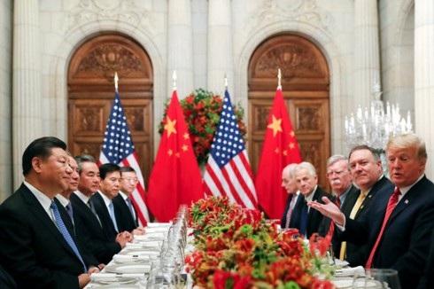 Chủ tịch Trung Quốc Tập Cận Bình và Tổng thống Mỹ Donald Trump trong cuộc gặp tại Buenos Aires, Argentina ngày 1/12. Ảnh: CBS News