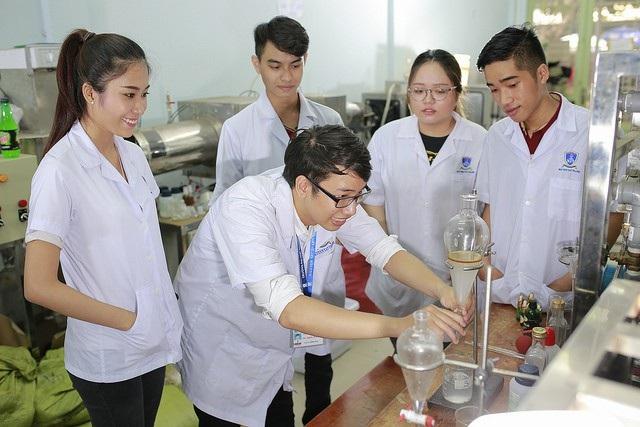 Lần đầu tiên thành lập Trung tâm nghiên cứu liên ngành về khoa học sức khỏe - 1