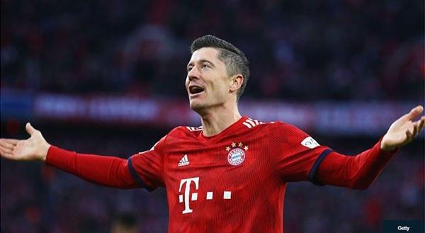 Lewandowski là cây săn bàng xuất sắc nhất vòng bảng Champions League