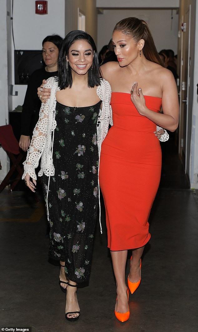 Jennifer Lopez và đàn em Vanessa Hudgens tất bật đi quảng bá phim mới Second Act tại Miami ngày 14/12 vừa qua