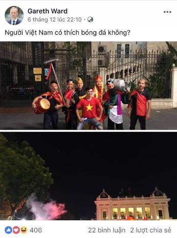 Đại sứ Anh cổ vũ đội tuyển Việt Nam trước trận chung kết AFF - Ảnh 4.