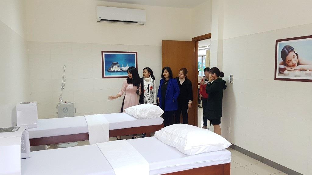 Ra mắt Đơn vị Thẩm mỹ Công nghệ cao tại Bệnh viện Trung ương Huế - Ảnh 1.