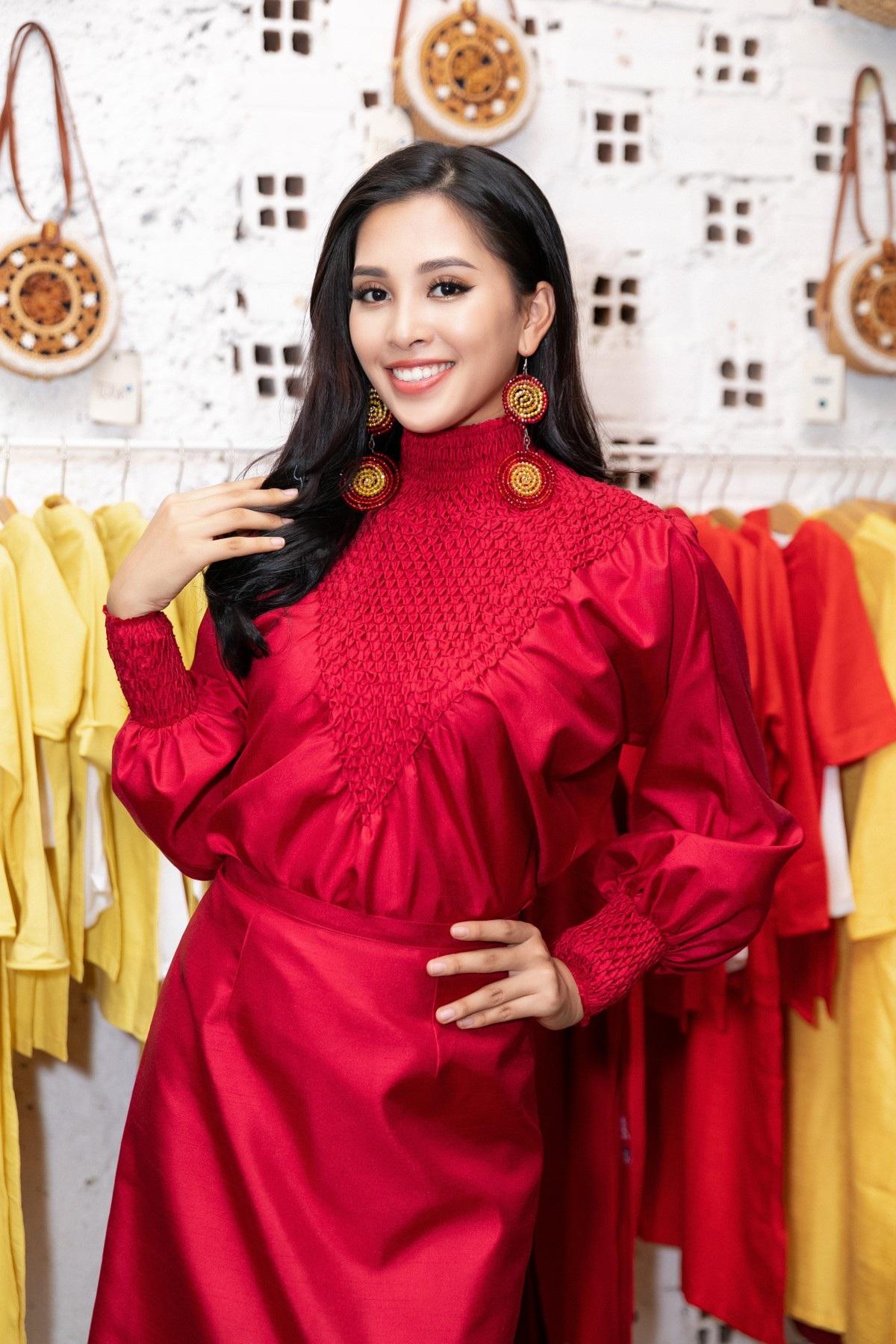 Hoa hậu Tiểu Vy khoe nhan sắc cuốn hút sau Miss World 2018 - Ảnh 1.