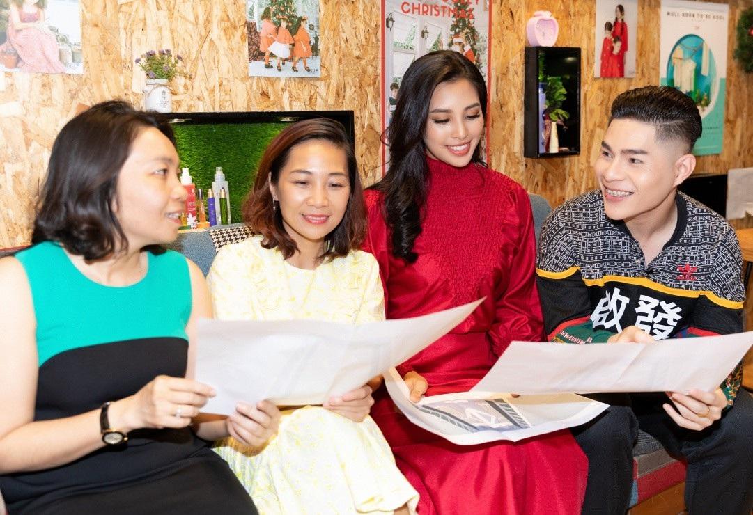 Hoa hậu Tiểu Vy khoe nhan sắc cuốn hút sau Miss World 2018 - Ảnh 5.