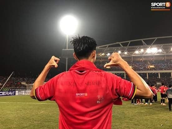 Còn sau lưng áo của Đặng Văn Hậu và cái tên Xuân Mạnh, người cũng đã phải vắng mặt vì chấn thương (Nguồn: Sport5)