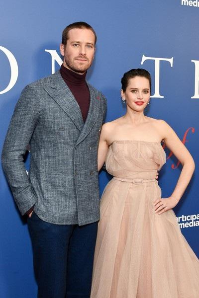 Armie Hammer và Felicity Jones dự công chiếu phim mới On the Basis of Sex tại New York ngày 16/12 vừa qua