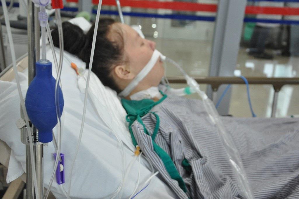 Sinh con được 2 tháng, người mẹ trẻ dân tộc Mông rơi vào tình cảnh nguy kịch - Ảnh 3.