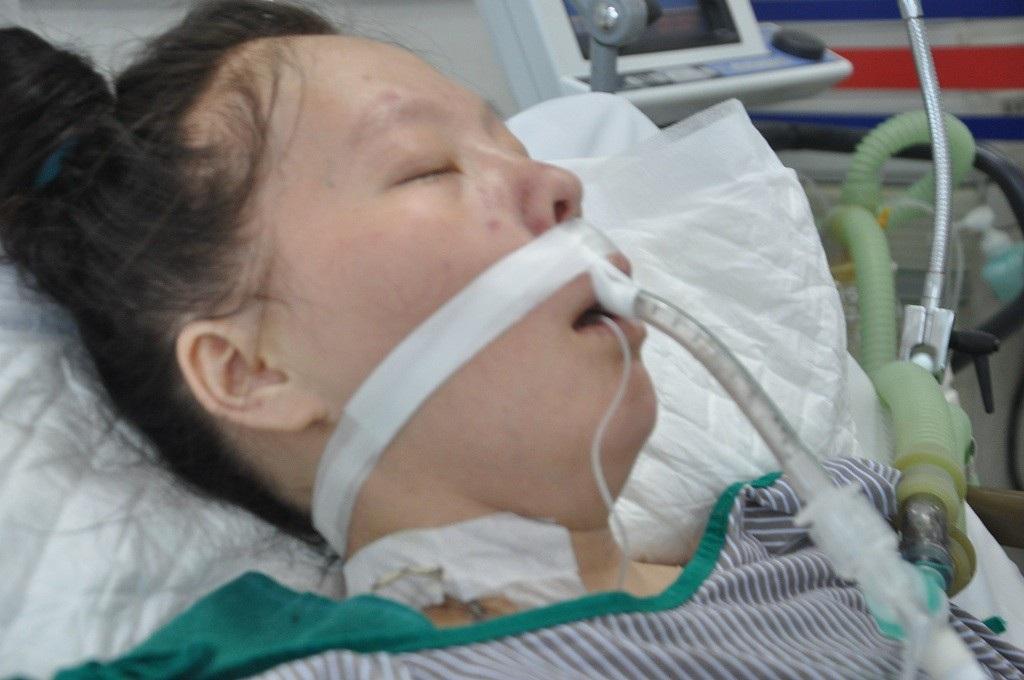 Sinh con được 2 tháng, người mẹ trẻ dân tộc Mông rơi vào tình cảnh nguy kịch - Ảnh 2.