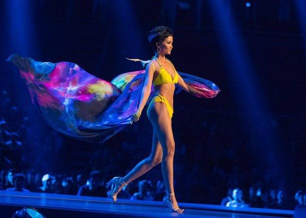 Hành trình H'hen Niê lọt top 5 tại Hoa hậu Hoàn vũ 2018 - 11