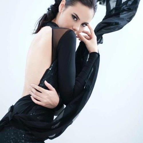 Hồ sơ thành tích đáng nể cùng vẻ ngoài nóng bỏng của tân Hoa hậu Hoàn vũ - 14