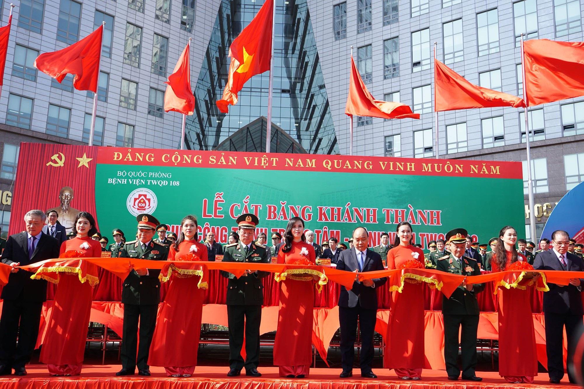 Thủ tướng dự lễ khánh thành tòa bệnh viện công hiện đại nhất Việt Nam - Ảnh 3.