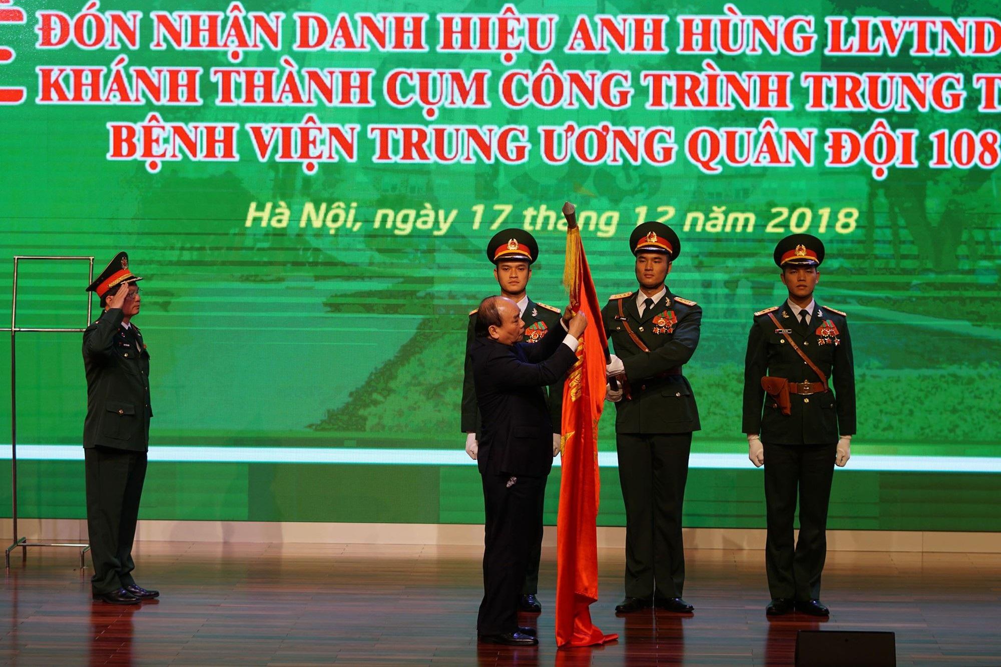 Thủ tướng dự lễ khánh thành tòa bệnh viện công hiện đại nhất Việt Nam - Ảnh 1.