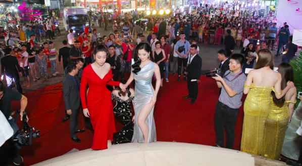 Lộ diện người giúp Tân Hoa hậu Tiểu Vy luôn tỏa sáng và nổi bật tại Miss World - 2