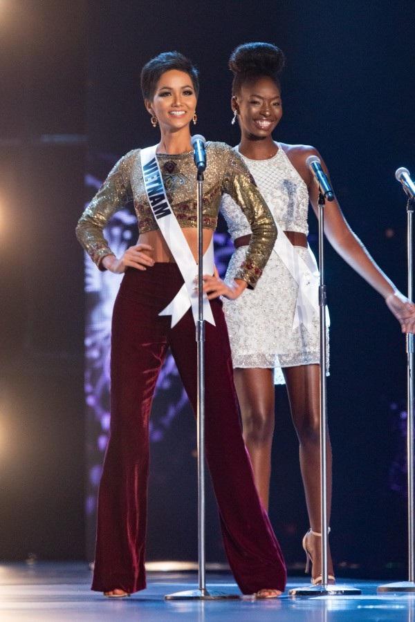 Hhen Niê tự tin xuất hiện trong đêm bán kết Hoa hậu Hoàn vũ 2018