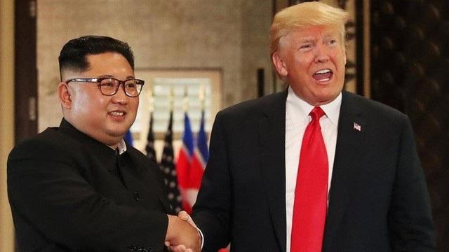 Tổng thống Mỹ Donald Trump và nhà lãnh đạo Triều Tiên Kim Jong-un trong hội nghị Thượng đỉnh hồi tháng 7 (Ảnh: Reuters)