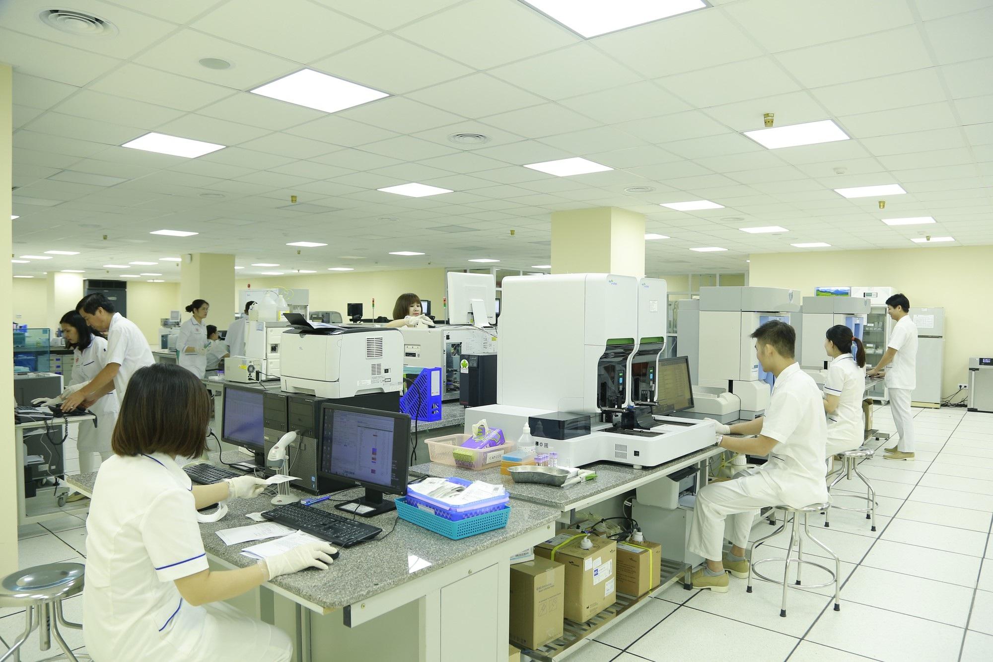 Thủ tướng dự lễ khánh thành tòa bệnh viện công hiện đại nhất Việt Nam - Ảnh 2.