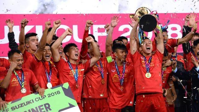 Tờ Thai Rath cho rằng đội tuyển Việt Nam đã lên ngôi vô địch AFF Cup 2018 khi vận dụng triết lý của Sir Alex Ferguson