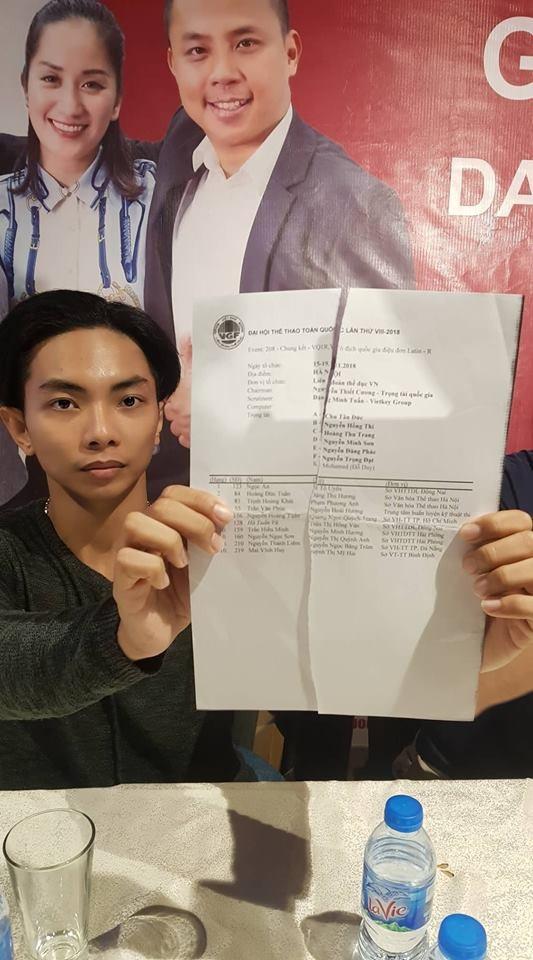 Phan Hiển tiết lộ về tờ kết quả Ngọc An- Tố Uyên giành giải nhât bị xé đôi, vứt vào thùng rác.