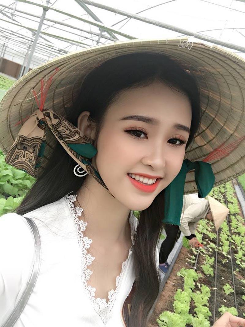 Ngắm tân Á khôi sinh viên Việt Nam xinh đẹp và học giỏi - Ảnh 4.