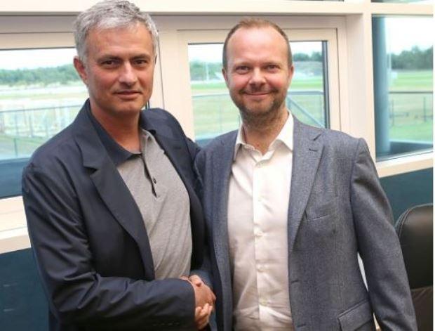 Mối quan hệ giữa Mourinho và Ed Woodward đã rạn vỡ