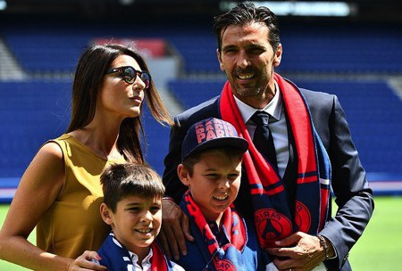 Cậu con trai Louis của Buffon đang thi đấu cho đội trẻ Juventus