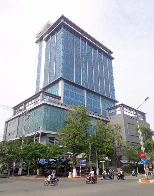 Tòa nhà Bạc Liêu Tower nằm tại khu đất 3 mặt tiền đường Trần Phú - Bà Triệu - 30/4 (TP Bạc Liêu, tỉnh Bạc Liêu).