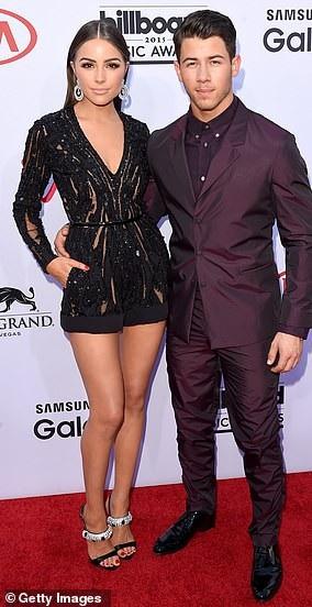 Nick và bạn gái - cựu hoa hậu hoàn vũ Olivia Culpo