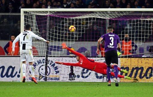 Fiorentina 0-3 Juventus: C.Ronaldo ghi bàn thứ 10 - 2